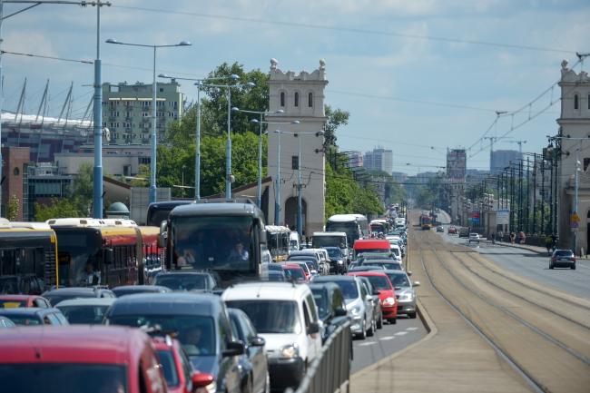 W Warszawie protest ponad 2 tysięcy taksówek