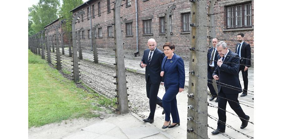 Premier: mord w obozach koncentracyjnych pozostawił piętno na losach świata