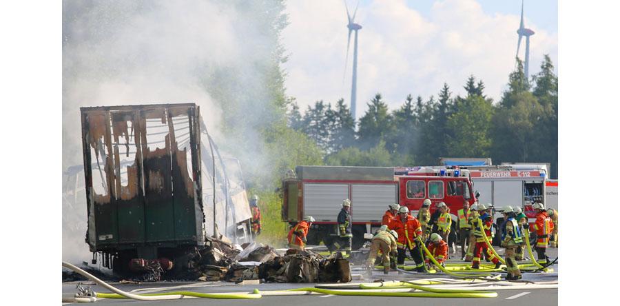 Niemcy/ Wypadek autokaru w Bawarii: 30 rannych i 18 zaginionych