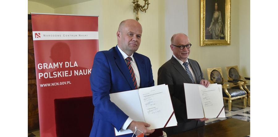 """Centra Doskonałości """"Dioscuri"""" powstaną przy polskich instytucjach naukowych"""