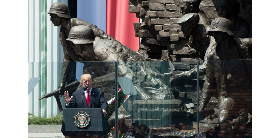 Trump: wbrew próbom zniszczenia was przetrwaliście i jesteście dumnym narodem