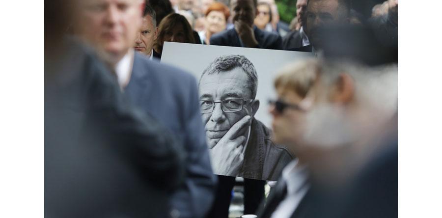 Rodzina, przyjaciele i współpracownicy pożegnali Grzegorza Miecugowa
