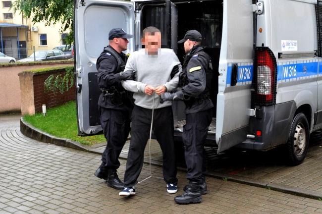 Początek śledztwa przeciwko zabójcy z siekierą